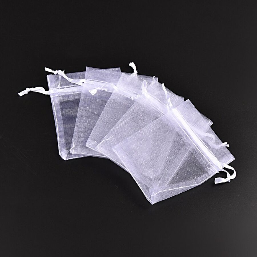 Fehér színű organza tasak (12x9cm)