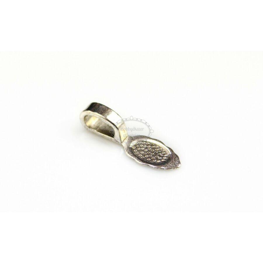 Antikolt ezüst színű medáltartó