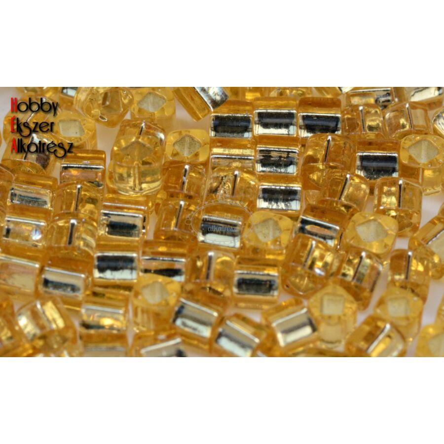 Toho cube ezüstös közepű világos topáz (22)