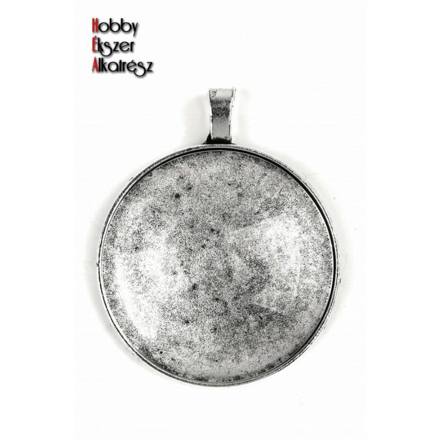 Antikolt ezüst színű sima medálalap (35mm) hozzátartozó üveglencsével